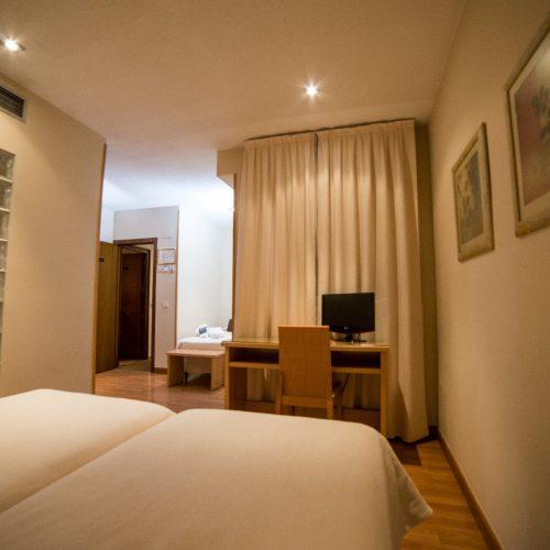 HOTEL SERRANO-244